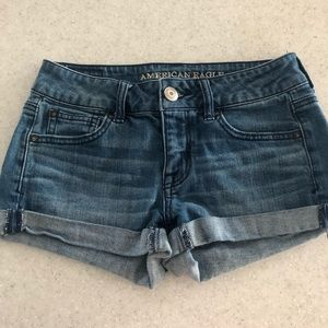 👖American Eagle Jean Shorts size 4